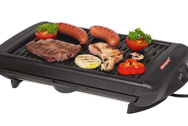 1. elektryczny grill stołowy z nieprzywieralną powłoką; można go też używać w domu, ok. 120 zł, Jula
