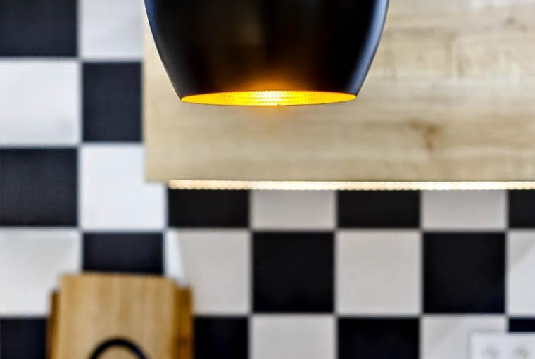Lampa w kuchni