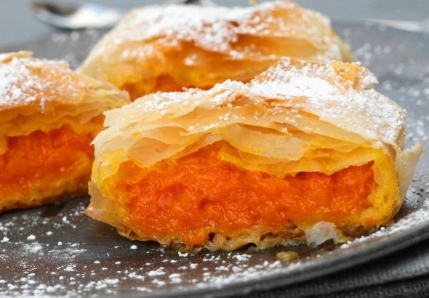 Ciasto francuskie z masą z dyni