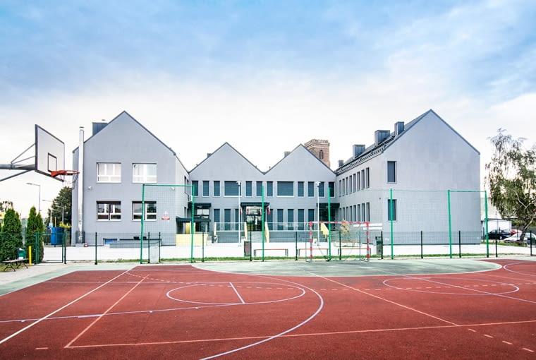 Zwycięzca: budynek niemieszkalny. Szkoła Podstawowa nr 1 w Gostyniu (projekt: PL +, realizacja: Przedsiębiorstwo Budowlane Michalski Leszno)