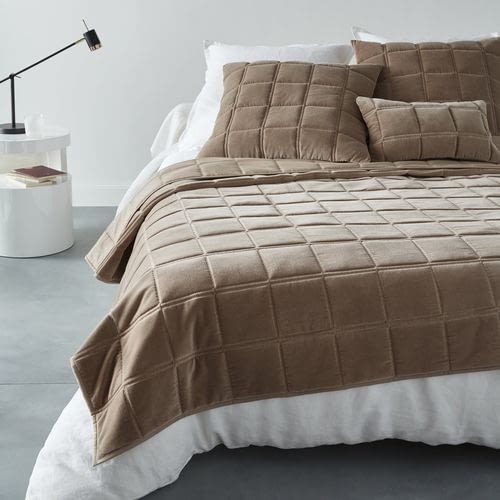 Aksamitna pikowana narzuta na łóżko Padoue