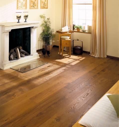 Podłoga wykończona olejem i dodatkowo pokryta woskiem