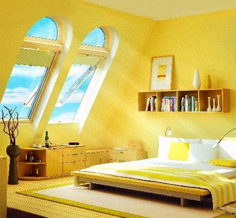 Ponad istniejącymi oknami można umieścić niewielkie elementy doświetlające - łukowe lub trójkątne nadstawki