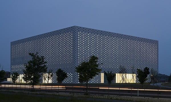 Biblioteka Kanazawa Umimirai, Kanazawa, Japonia, proj. Kazumi Kudo i Hiroshi Horiba / Coelacanth K&H Architects, 2011