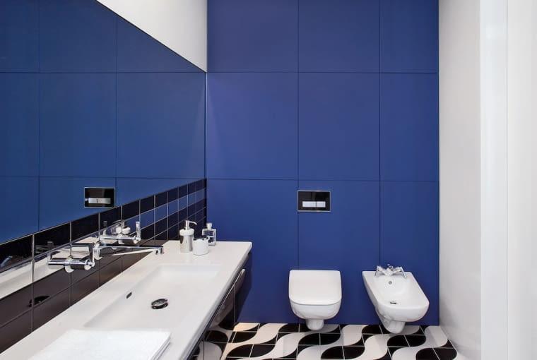 Zabudowę w łazience wykonała pracownia. Dawidczyk, terakota Odyssey, glazura Art de Vivre.
