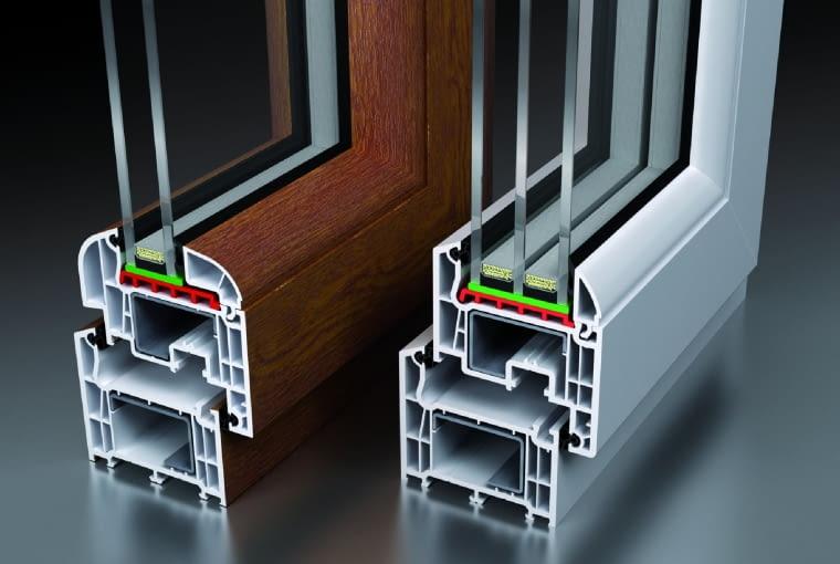 Propozycja 1. System: N.ergo; 5-komorowe profile PVC SALAMANDER klasy B Kolor: biały Pakiet szybowy: 4T/14Ar/4/14Ar/4T; Ug = 0,6 W/(m2K) oraz dla okien 60 x 120 cm - 3T/16Ar/3/16Ar/3T; Ug = 0,5 W/(m2K); Uw = 0,96-1,2 W/(m2K) Cena: 6345,90 zł