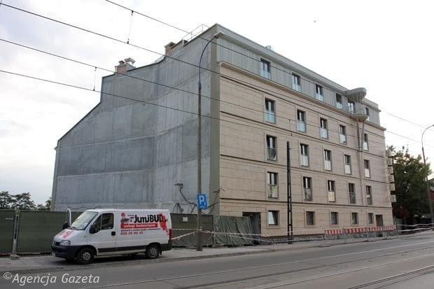 01.10.2009 KRAKOW , UL FLISACKA , HOTEL NIEBIESKI NOMINOWANY DO ARCHISZOPY , FOT. MATEUSZ SKWARCZEK / AGENCJA GAZETA