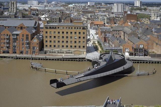 Most w Kingston upon Hull, proj. Mcdowell+Benedetti, źródło: www.mcdowellbenedetti.com
