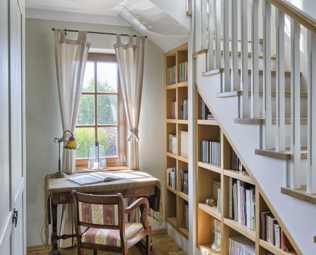 schody, dom jednorodzinny, miejsce pod schodami
