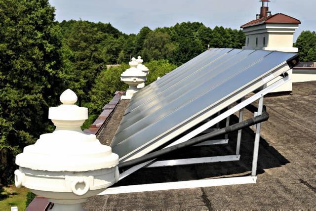 Kolektory na dachu płaskim wymagają montażu na konstrukcji wsporczej