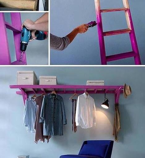 Stara drabina może stać się... funkcjonalnym wieszakiem na ubrania i półką w jednym. Wystarczy ją oszlifować, pomalować i przykręcić do ściany.