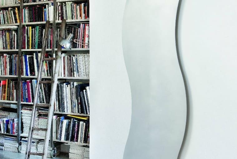 Silhouette, grzejnik wodny o falistym kształcie, dostępny w niemal 50 odcieniach, Ridea, ridea.it