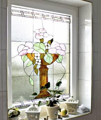 Szkło ornamentowe z witrażem