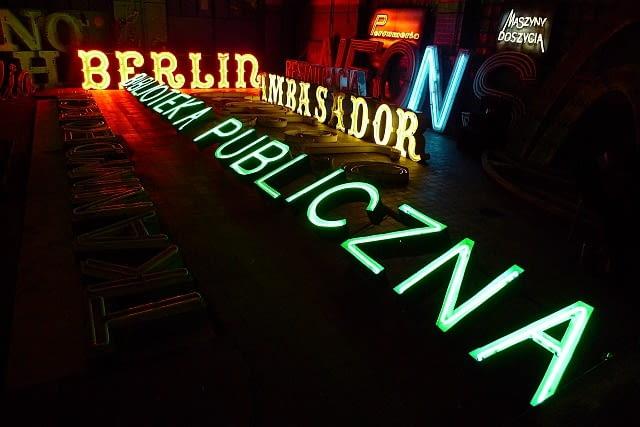 polski neon, warszawa
