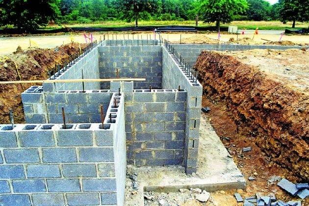 Ściany fundamentowe z pustaków zasypowych