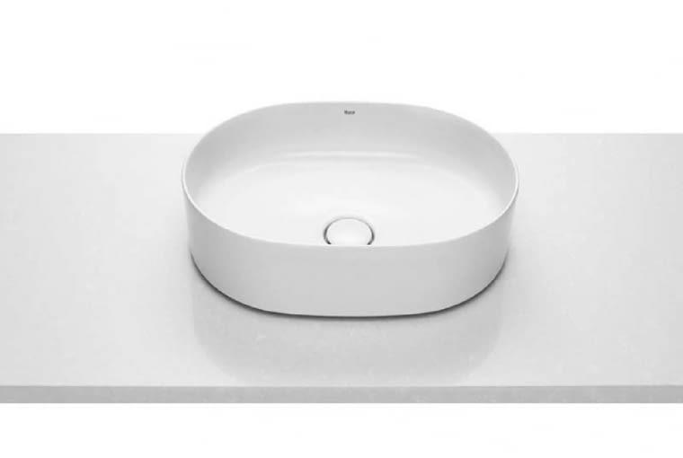 Inspira Round/ROCA. Umywalka nablatowa z Fineceramicu bez otworu na baterię i bez otworu przelewowego; wymiary 50 x 37 cm. Cena (netto): 960 zł, www.roca.pl