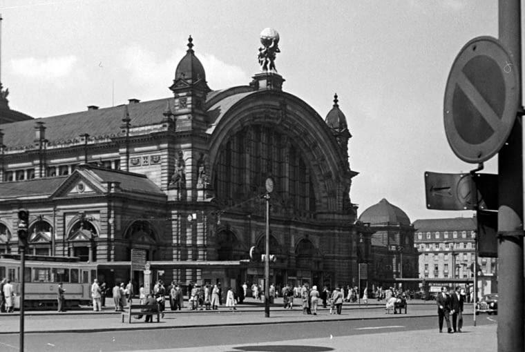 Dworzec we Frankfurcie w latach 50.