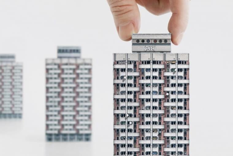 Komplet 7 wycinanek poświęcony powojennej architekturze Europy Środkowo-Wschodniej