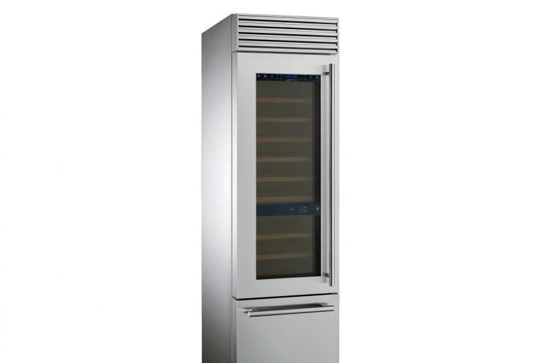Wolno stojąca chłodziarka WF366LDX ma dwie komory chłodziarki na wino (3 i 6 wysuwanych drewnianych półek) oraz dolną komorę z dwiema szufladami, która może być używana jako chłodziarka albo jako zamrażarka, w zależności od potrzeb (3 opcje ustawienia temperatury: od -18° do -22°C; od -2 do +2°C; od +2 do +8°C). Szerokość 58,6 cm. Smeg, smeg.pl