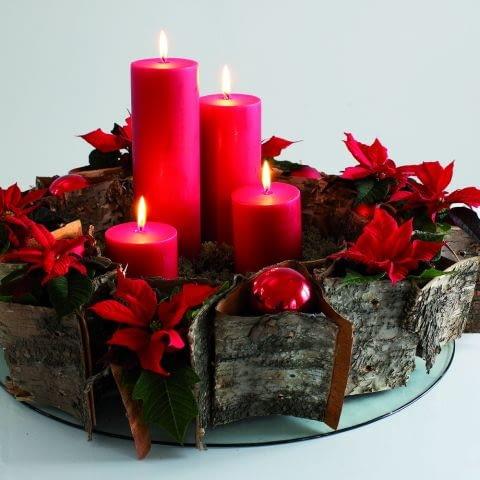 Ozdoby adwentowe i świąteczne na Boże Narodzenie. Świąteczne stroiki ze świecami
