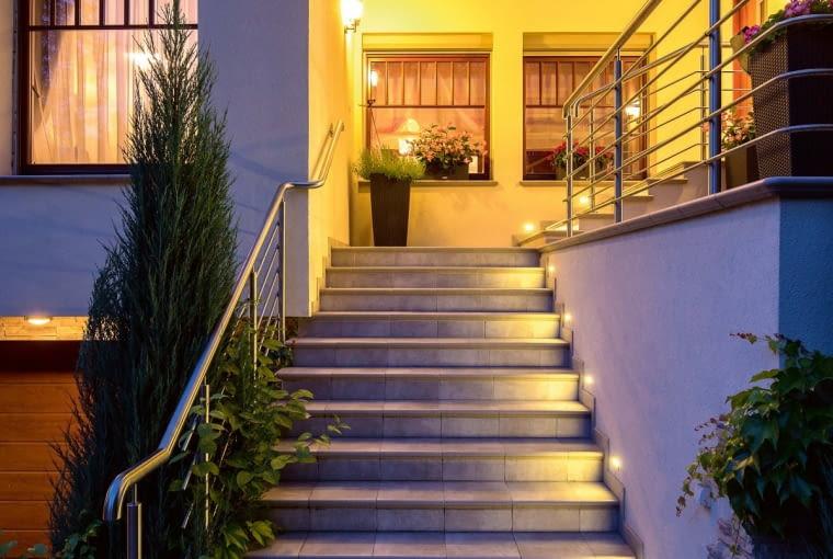 Oświetlenie Zewnętrzne Domu O Czym Trzeba Pamiętać
