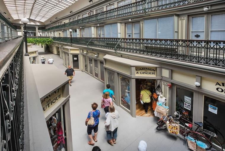 Centrum handlowe przerobione na kompleks mieszkaniowy