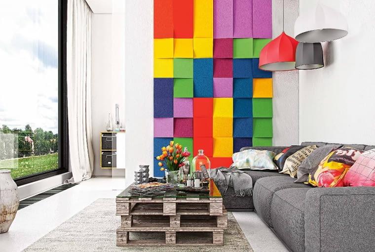Cubic/FLUFFO. W kształcie kwadratu, którego powierzchnia ścięta jest pod skosem; zapewniają ciekawy efekt. Cena: 28,2 zł (szt.); 451,2 zł (m2), www.fluffo.pl