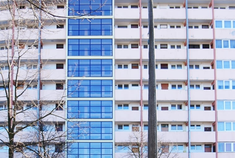Falowiec Przy Piastowskiej 90 - widok na klatkę schodową (obecnie)