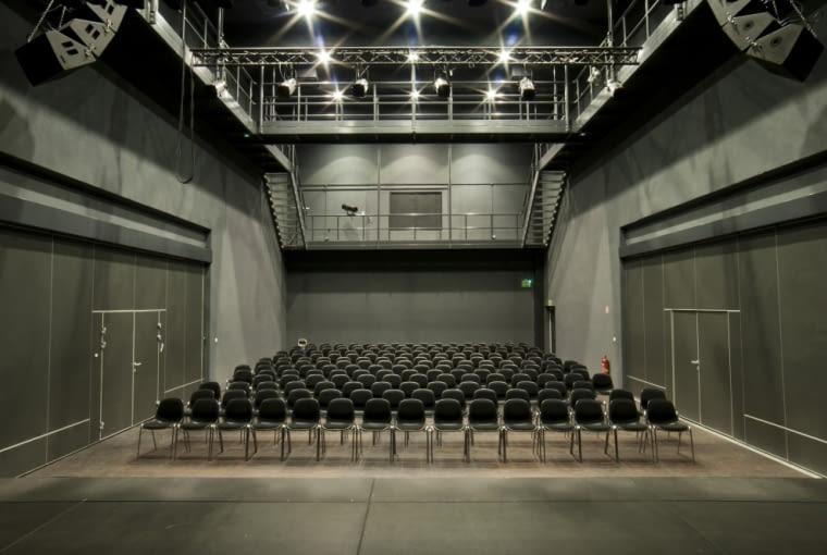 Teatr przy szkole Łejerów w Poznaniu