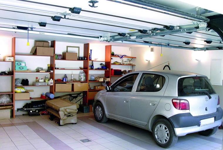 W garażu trzeba zapewnić wentylację, która usunie z jego wnętrza spaliny i nadmiar wilgoci