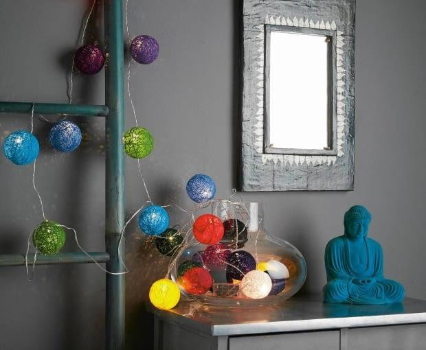 cotton balls, zrób to sam, diy, lampki, oświetlenie