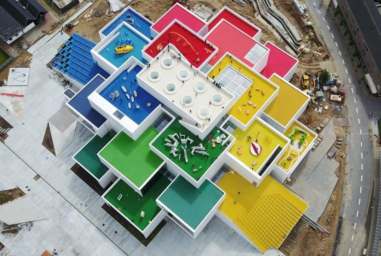 Lego House w Billund. Proj. BIG