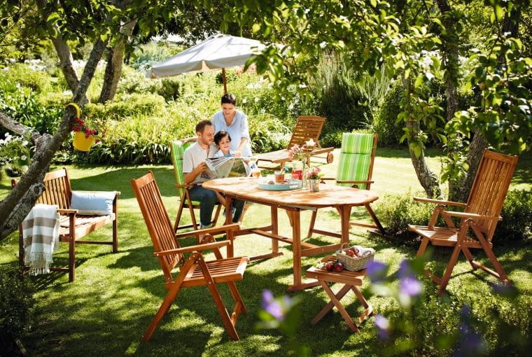 Urok klasyki - komplet ogrodowych mebli z drewna egzotycznego, www.tchibo.pl