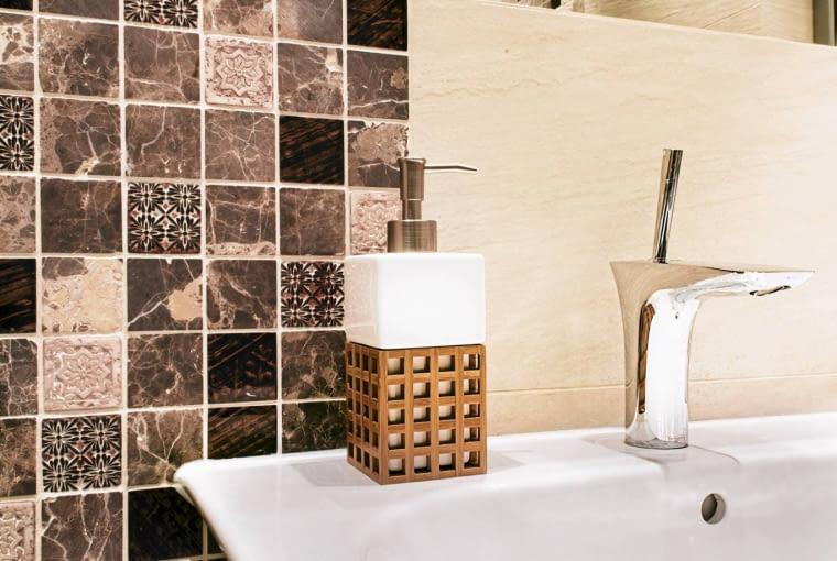 łazienka, płytki łazienkowe