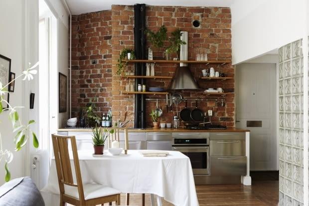 mieszkanie w skandynawskim stylu, luksfery, kawalerka, małe mieszkanie, aranżacja, cegła