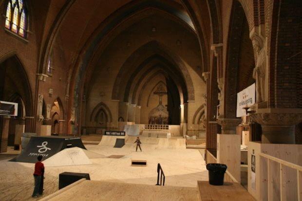 Skatepark, Arnhem, kościół