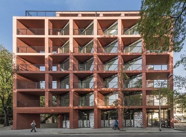 Budynek mieszkalny Sprzeczna 4 w Warszawie