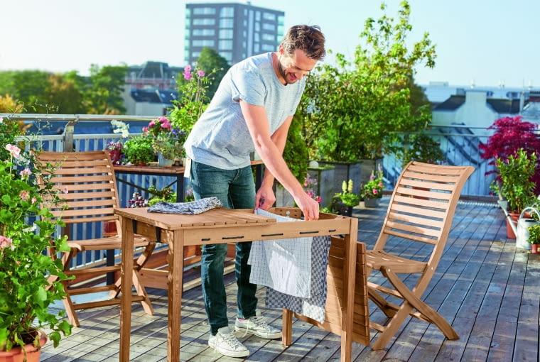 Taki pomysłowy mebel (100×75×60 cm) zmieści się nawet na małym balkonie, Tchibo.