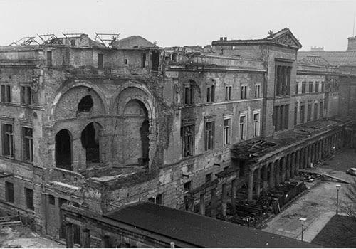 Ruiny Neues Museum w Berlinie