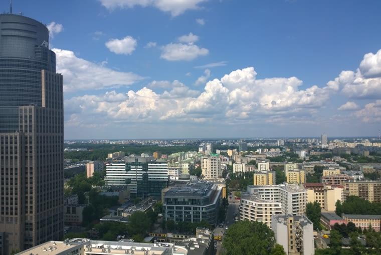 Warszawska Wola widziana lotu ptaka. Widok z 26. piętra hotelu Hilton