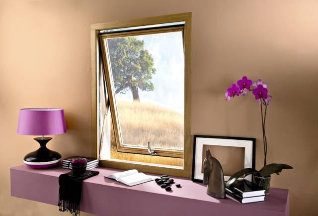 Okno pionowe uchylne
