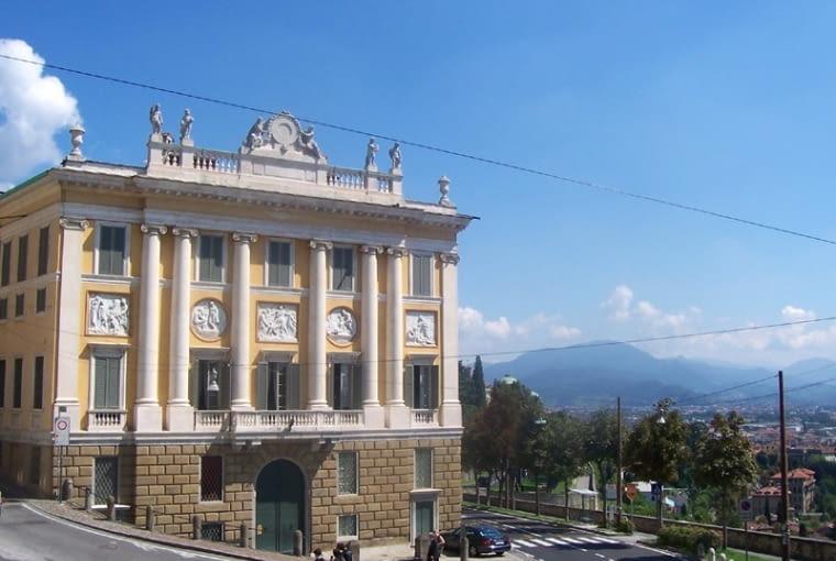 Palazzo Medolago, Bergamo, fot. MarkusMark, Public Domain
