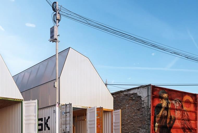 Dom z kontenerów. Proj. TRS Studio