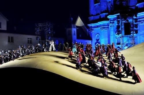 """Opera """"I lombardi alla prima crociata"""" grana na scenie w St. Gallen rok temu"""