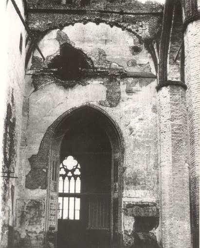 Zniszczenia wojenne. Kościół po 1945 roku.Wnętrze.