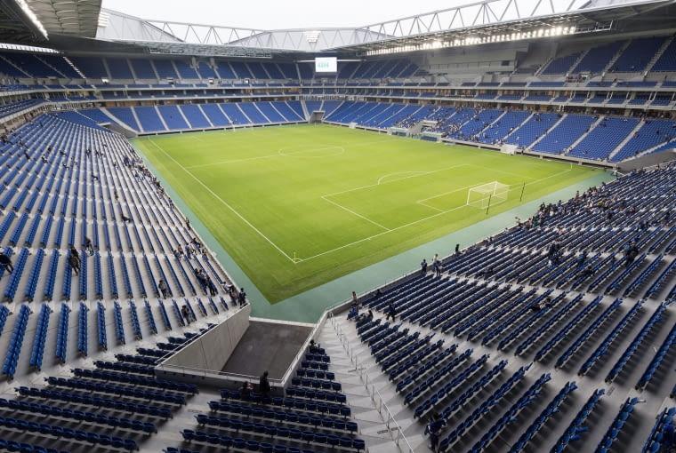 Suita City Stadium, Suita - Japonia (IX nagroda w głosowaniu internautów, X nagroda w głosowaniu jury) - Widownia to miejsca dla prawie 40 000 widzów, ale poza podstawową funkcją stadion został zaprojektowany w sposób umożliwiający wykorzystanie go jako schronu nawet dla 800 osób.