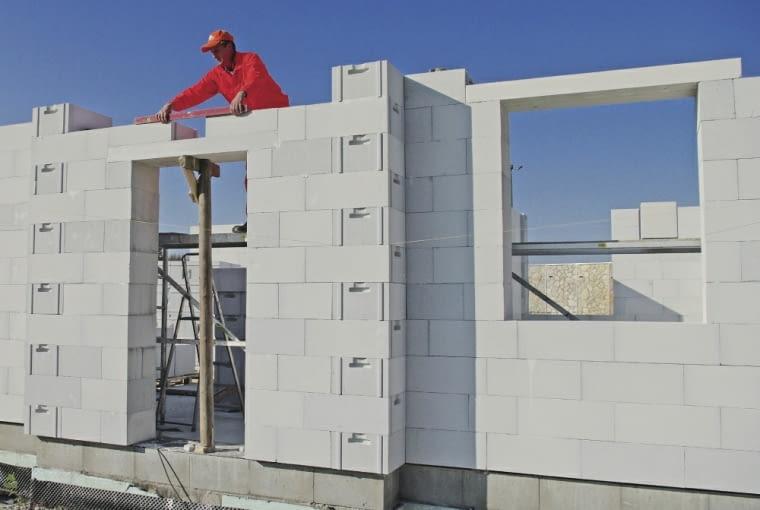 montaż okien, ściany zewnętrzne