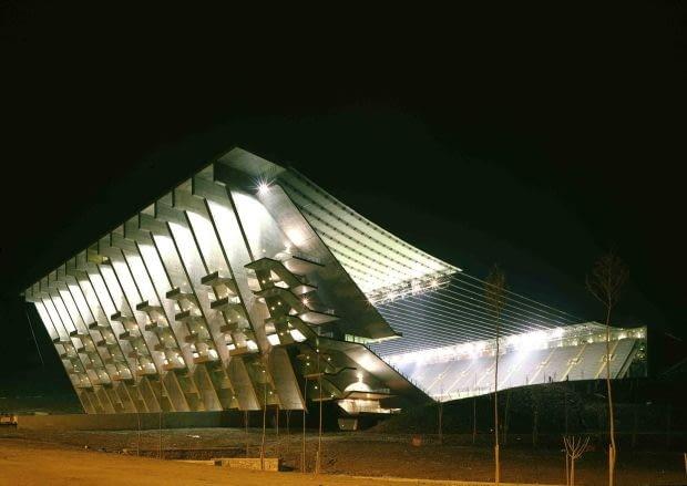 Edouardo Souto de Moura - stadion miejski, Brada/Portugalia (2004)