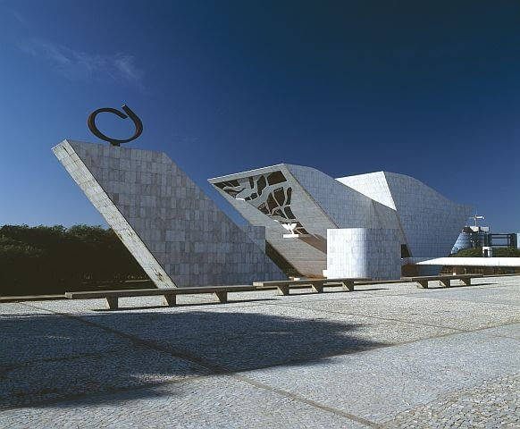oscar niemeyer, modernizm, brasilia, architektura