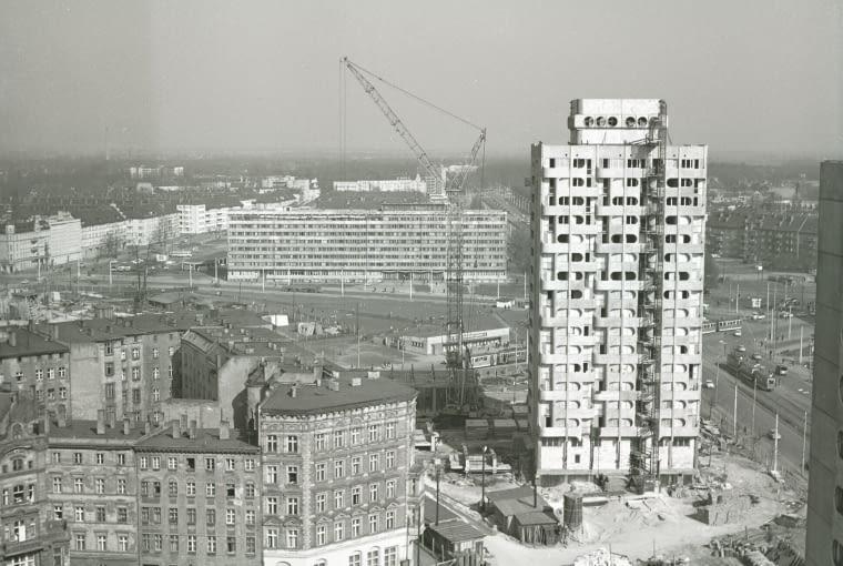 Budowa zespołu mieszkaniowego, plac Grunwaldzki, 1969-75 (projekt 1963-69)